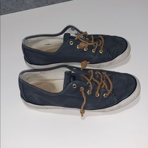 Sperry seacost canvas casual shoe